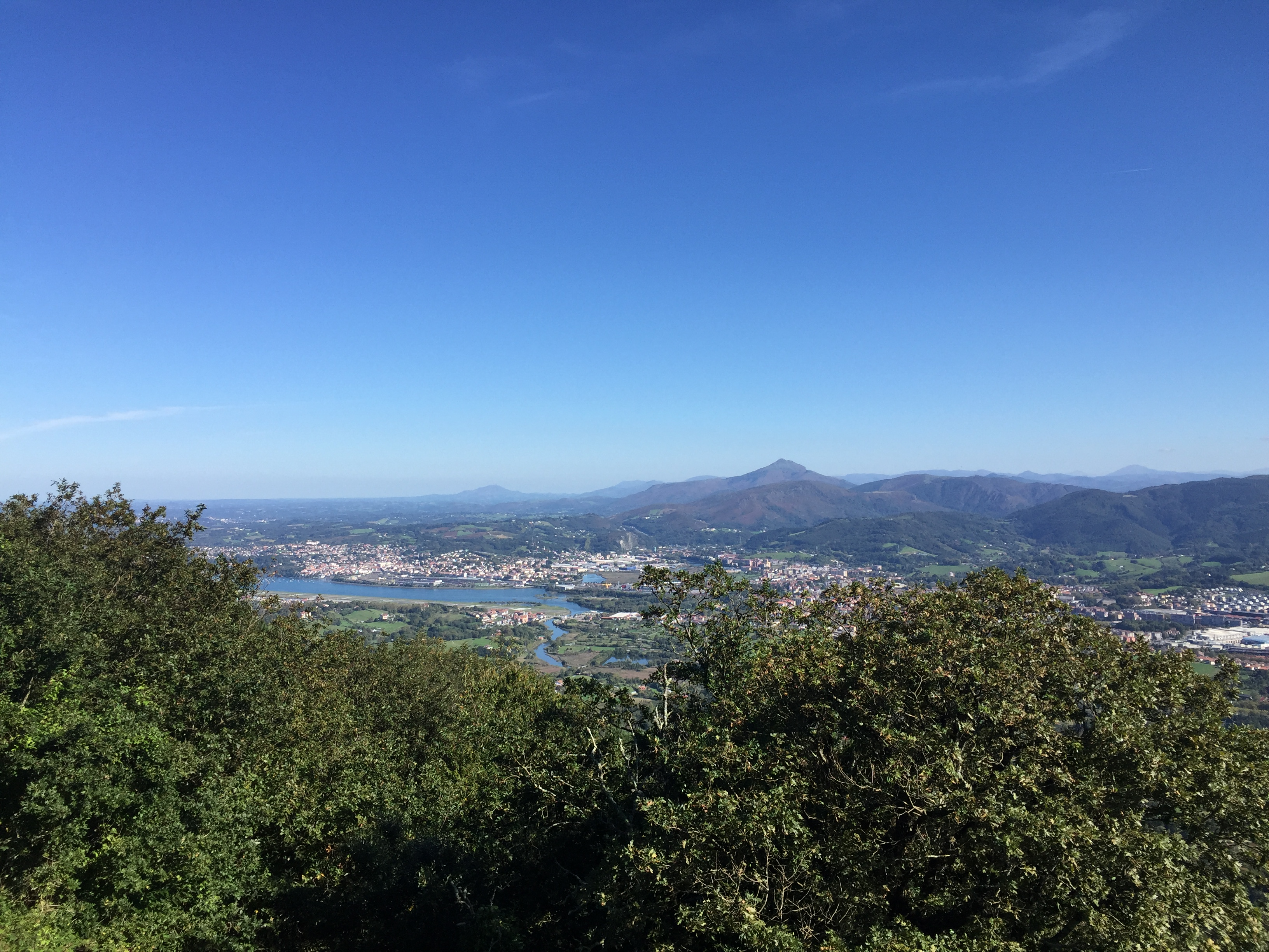 Vista de Fuenterrabia desde el monte Jaizkibel